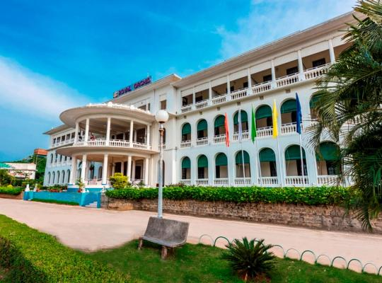 Hotel Valokuvat: Royal Orchid Brindavan Garden