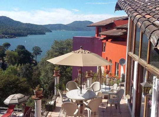 Φωτογραφίες του ξενοδοχείου: Cabañas Revi
