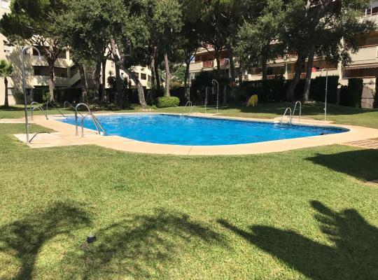 Φωτογραφίες του ξενοδοχείου: Apartamento Calahonda Royale 1-1