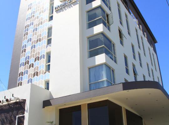 Képek: Home Crest Hotel