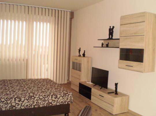 Фотографии гостиницы: Andrea lak-apartman