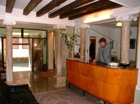 Képek: Hotel Caneva