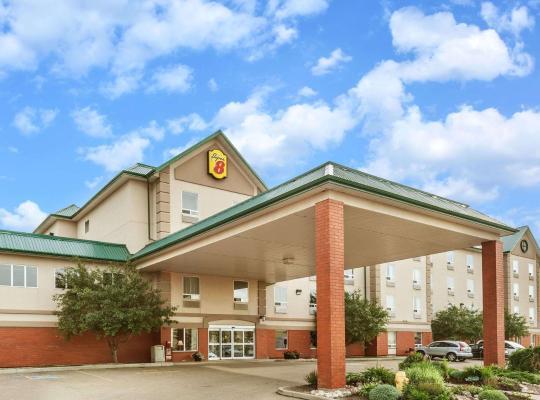 รูปภาพจากโรงแรม: Super 8 by Wyndham Edmonton South