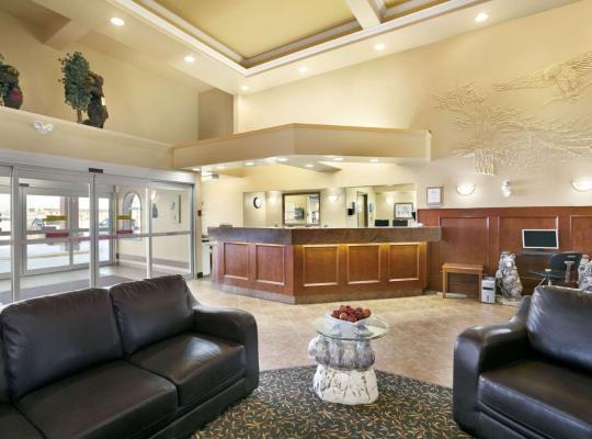 Fotos do Hotel: Super 8 by Wyndham High Level AB