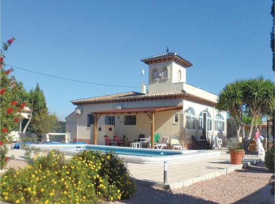 Hotel photos: Three-Bedroom Holiday Home in Catral