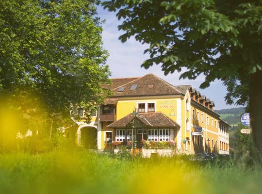Fotos do Hotel: Gasthof Pack zur Lebing Au