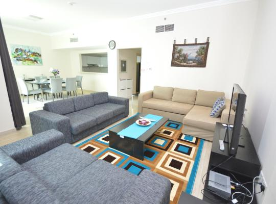 Hotel photos: Hometown Apartments - Gorgeous 2 Bedroom with Amazing Sea View