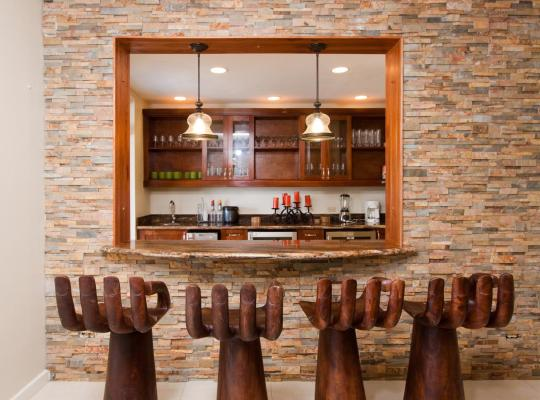 ホテルの写真: Kai Kala Ten Bedroom Villa