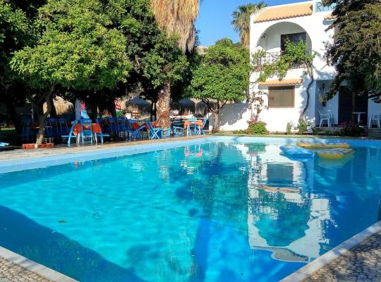 Hotel fotografií: Oasis Hotel Bungalows Rhodes