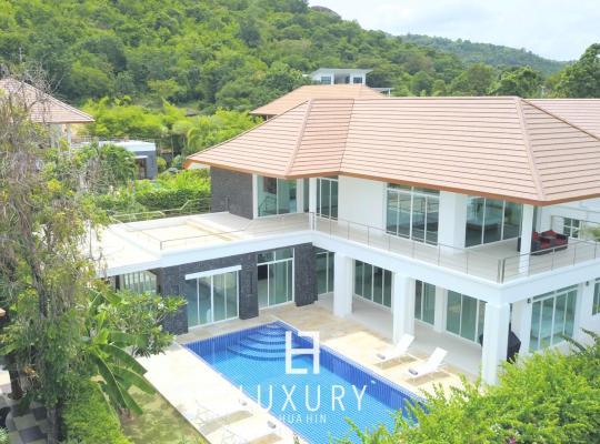 Hotel photos: Hua Hin Five Bedroom Villa
