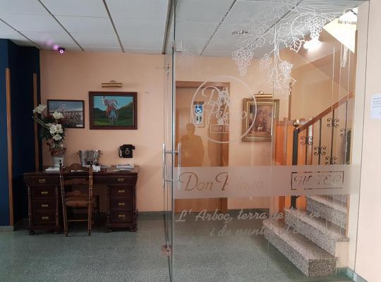 Otel fotoğrafları: Hotel Don Pelayo
