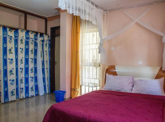 Hotel photos: Royal Crane Resort