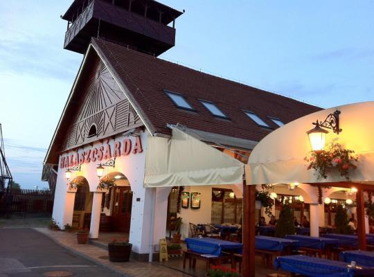 Foto dell'hotel: Fehértói Halászcsárda és Panzió