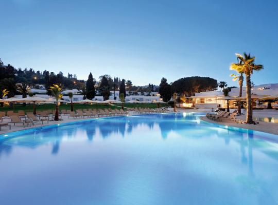 Φωτογραφίες του ξενοδοχείου: Mövenpick Hotel Gammarth Tunis