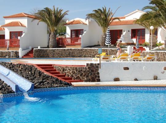ホテルの写真: Bungalows Castillo Beach