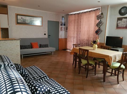 Фотографии гостиницы: Appartamento il portico