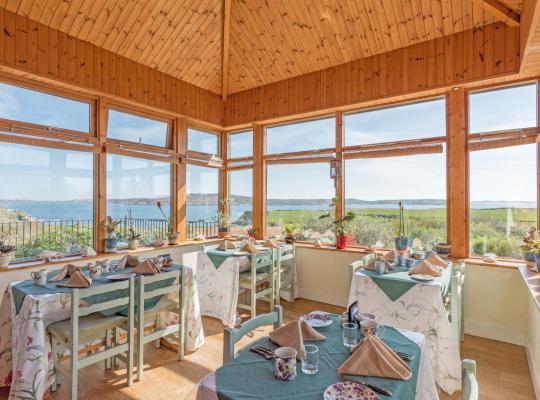 Hotel photos: Dolphin Beach House