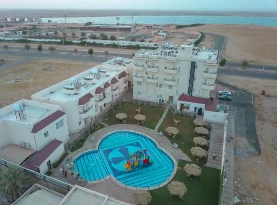 Otel fotoğrafları: Relax Beach Hotel
