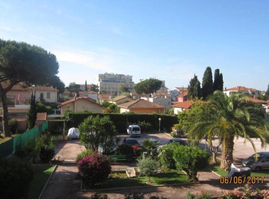 """Fotos de Hotel: """"Le Cube"""" - Azur Paradis"""