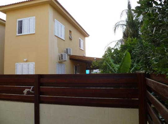 Fotos de Hotel: Protaras lovely beach house