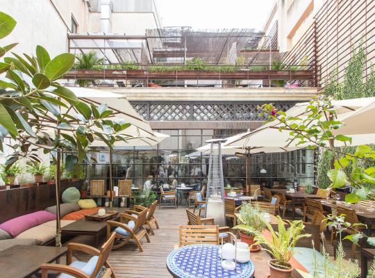 Фотографии гостиницы: Brondo Architect Hotel