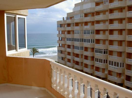 Fotos de Hotel: Apartamentos Turísticos Hawaii 4-5