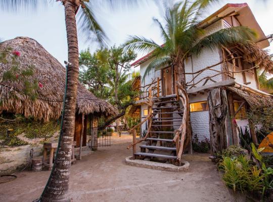 Φωτογραφίες του ξενοδοχείου: Hostel & Cabanas Ida Y Vuelta Camping