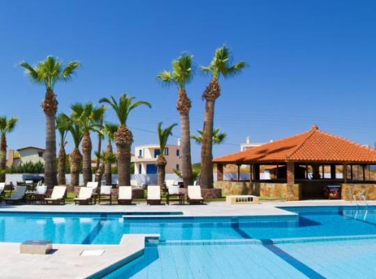 Otel fotoğrafları: Hotel Klonos - Kyriakos Klonos