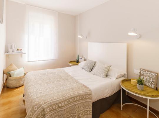 Хотел снимки: La Premsa by Pillow