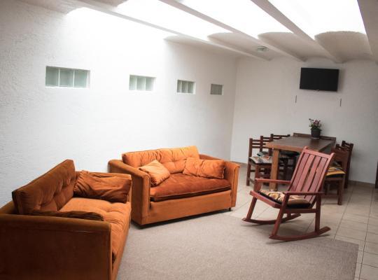 Фотографії готелю: Departamento San Jeronimo Zona Exclusica