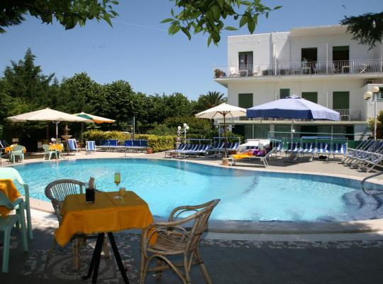 Photos de l'hôtel: Hotel Carmencita
