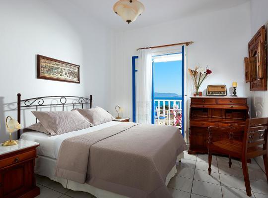 Фотографии гостиницы: Efi Studios