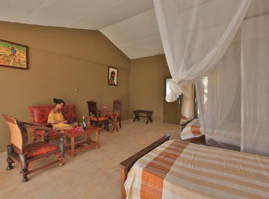 Hotel photos: Emerald Lodge