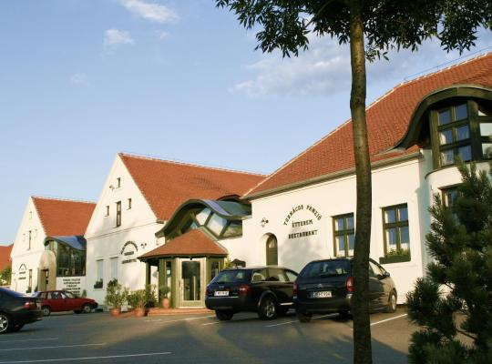 Hotel foto 's: Tornácos Ház - Hegykő