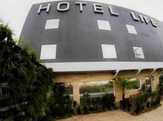 Fotografii: Hotel Life