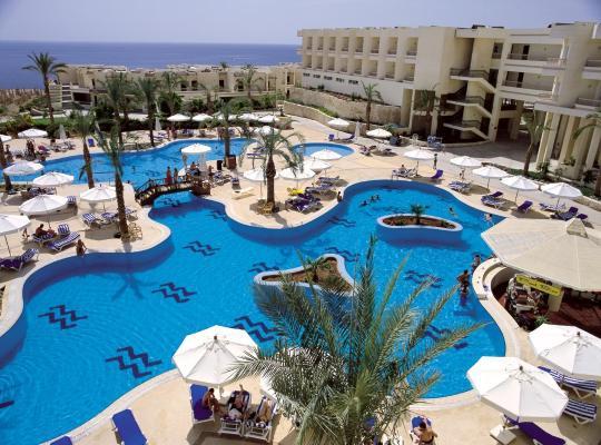 Viesnīcas bildes: Hilton Sharks Bay Resort