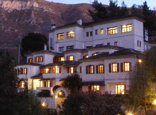 Фотографии гостиницы: Hotel Taxiarches