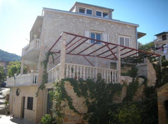 Hotel fotografií: Vis Apartments Simunovic
