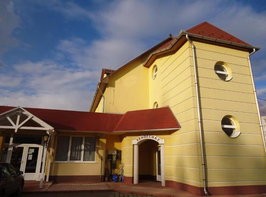תמונות מלון: Invest Vendégház