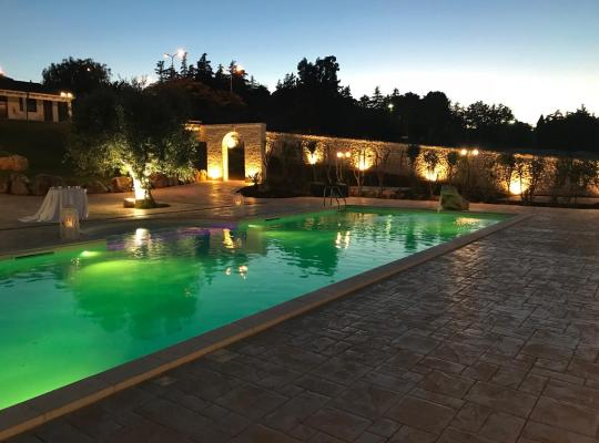 Hotel photos: Relais Masseria Serritella