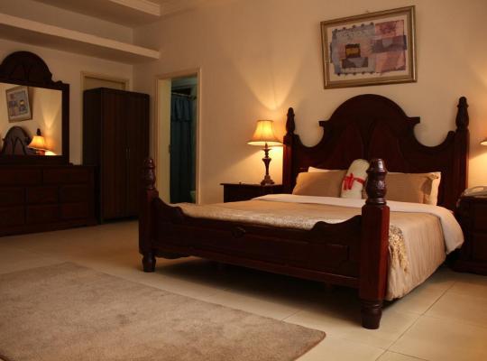 Hotel photos: Embassy Suites Hotel