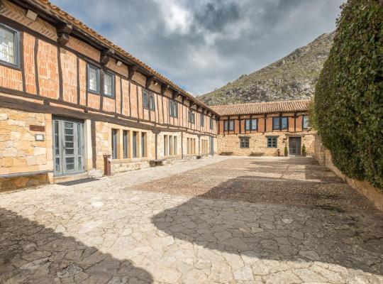 Képek: Hotel Posada Santa Maria la Real