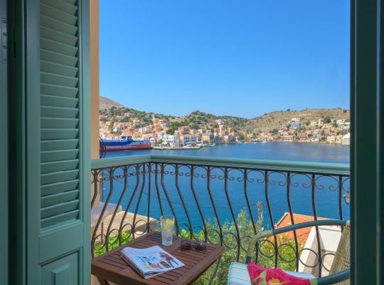 תמונות מלון: Blue Wave Astradeni House