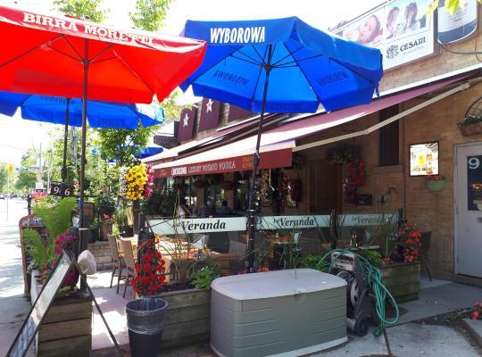 Photos de l'hôtel: Kama's Inn Near Airport, Subway, Free Wifi, and Parking