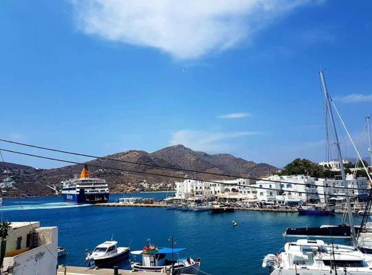 Фотографии гостиницы: The Yacht front apartment at the Ios port