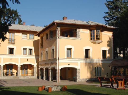 Φωτογραφίες του ξενοδοχείου: Laetitia Panzió