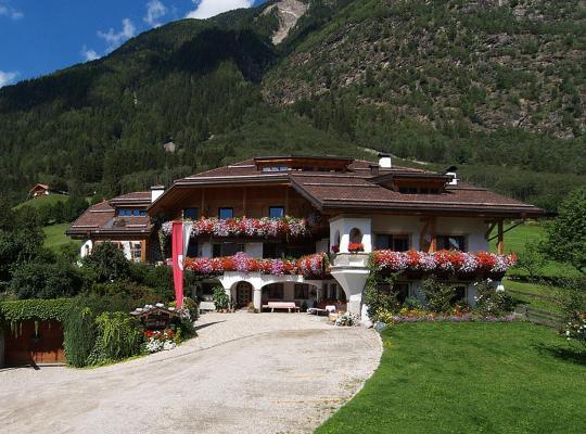 Hotel fotografií: Haus Tirol