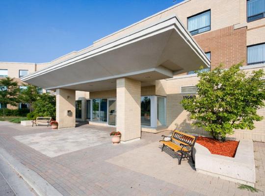 Φωτογραφίες του ξενοδοχείου: Residence & Conference Centre - King City