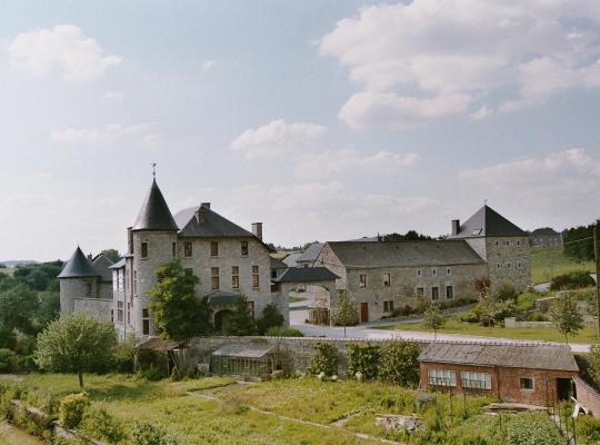 Hotel photos: B&B Ferme Château de Laneffe