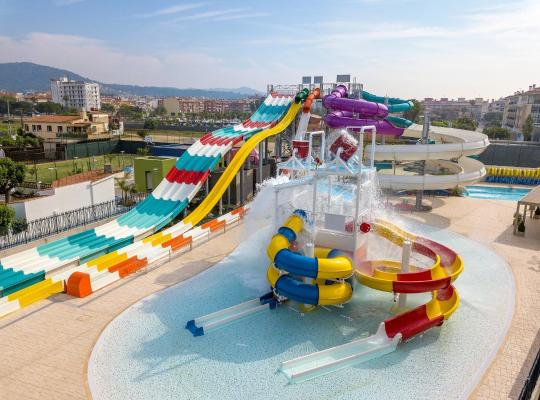 Hotel bilder: Golden Taurus Aquapark Resort